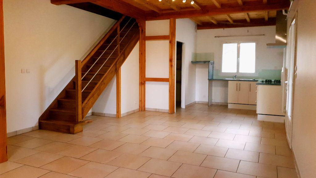 Maison à louer 3 76m2 à Bioule vignette-3