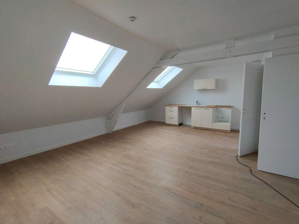 Appartement à louer 3 37m2 à Ingré vignette-1