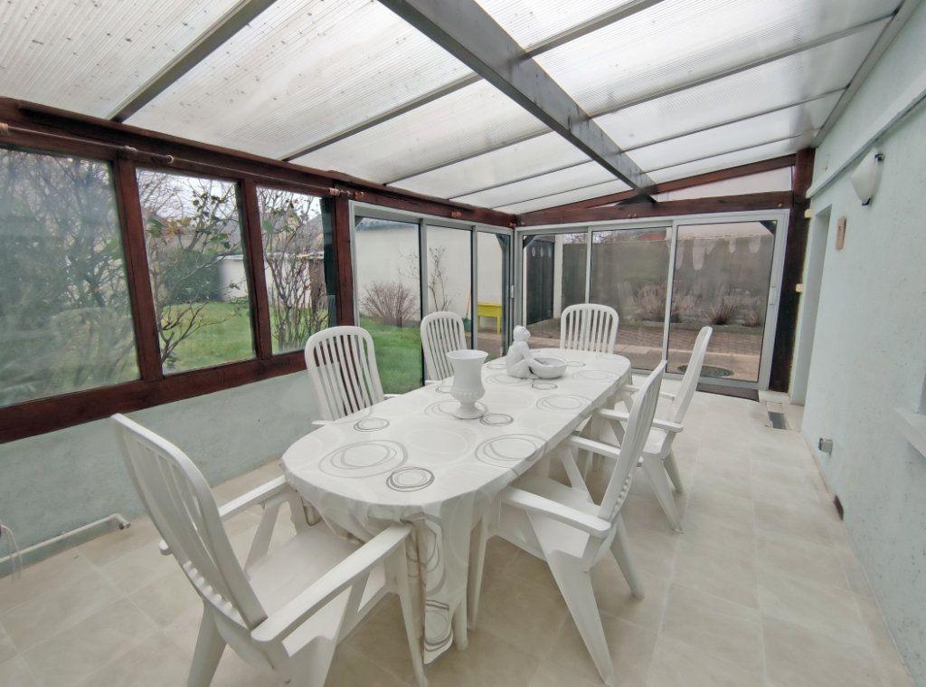 Maison à vendre 5 123.5m2 à Fleury-les-Aubrais vignette-3