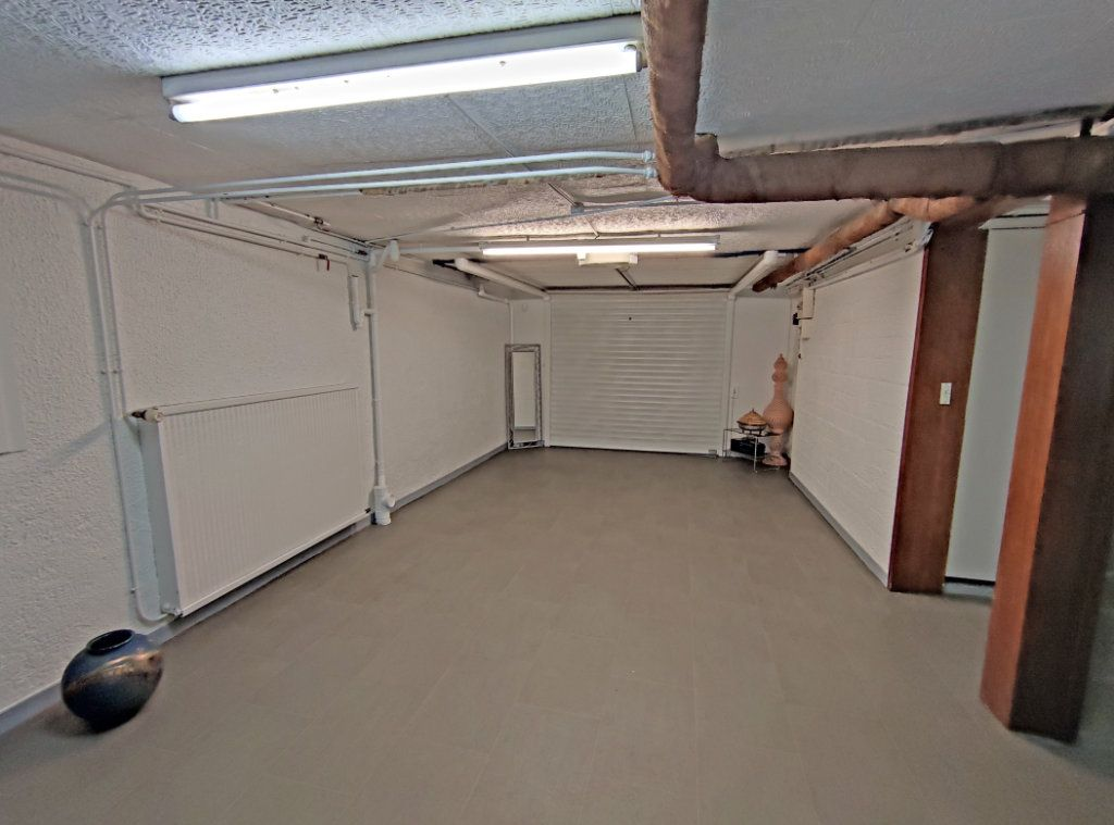 Maison à vendre 5 123.5m2 à Fleury-les-Aubrais vignette-9