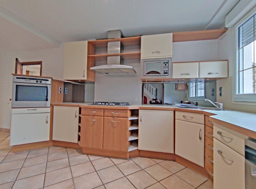 Maison à vendre 7 178m2 à Saint-Hilaire-Saint-Mesmin vignette-4