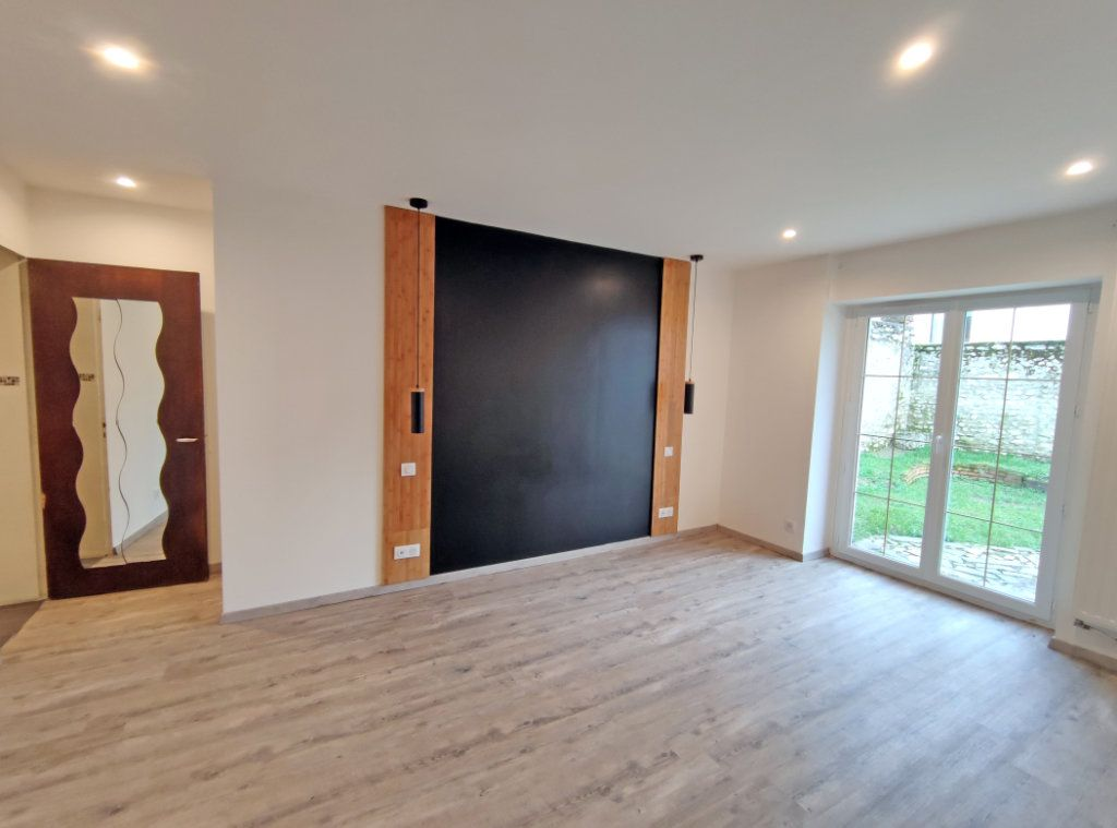 Maison à vendre 7 178m2 à Saint-Hilaire-Saint-Mesmin vignette-5
