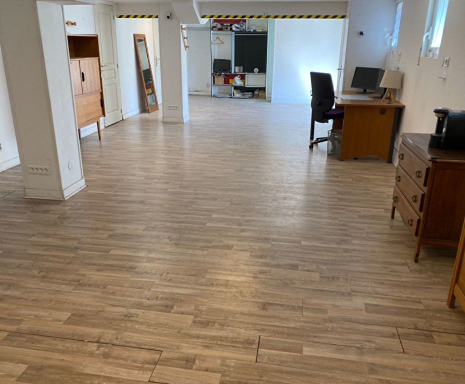 Appartement à vendre 6 124.45m2 à Fleury-les-Aubrais vignette-1