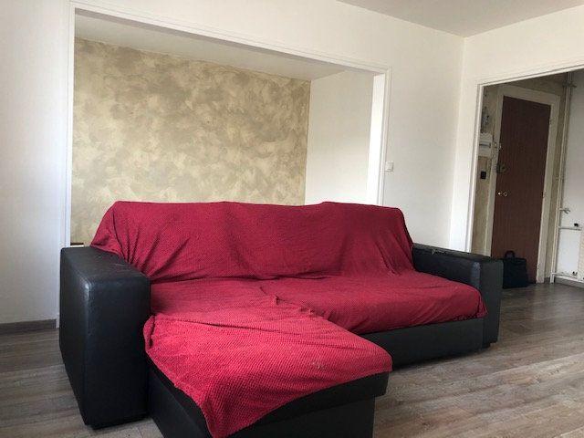 Appartement à vendre 4 70.28m2 à Orléans vignette-3