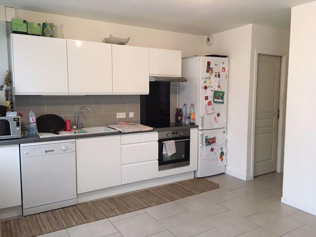 Appartement à louer 3 65m2 à Ingré vignette-2