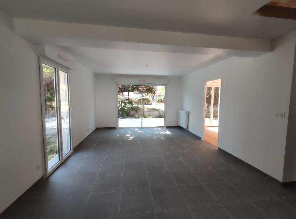 Maison à vendre 5 101m2 à Chécy vignette-2