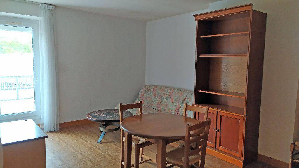 Appartement à louer 2 41m2 à Saint-Jean-de-la-Ruelle vignette-2