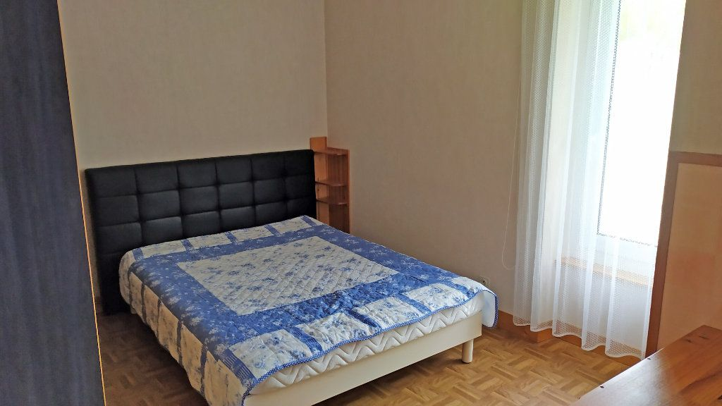 Appartement à louer 2 41m2 à Saint-Jean-de-la-Ruelle vignette-3
