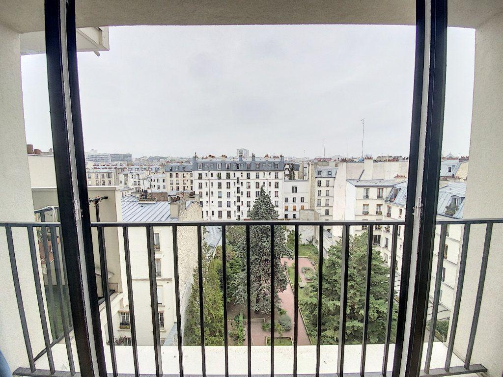 Appartement à vendre 1 28m2 à Paris 10 vignette-3