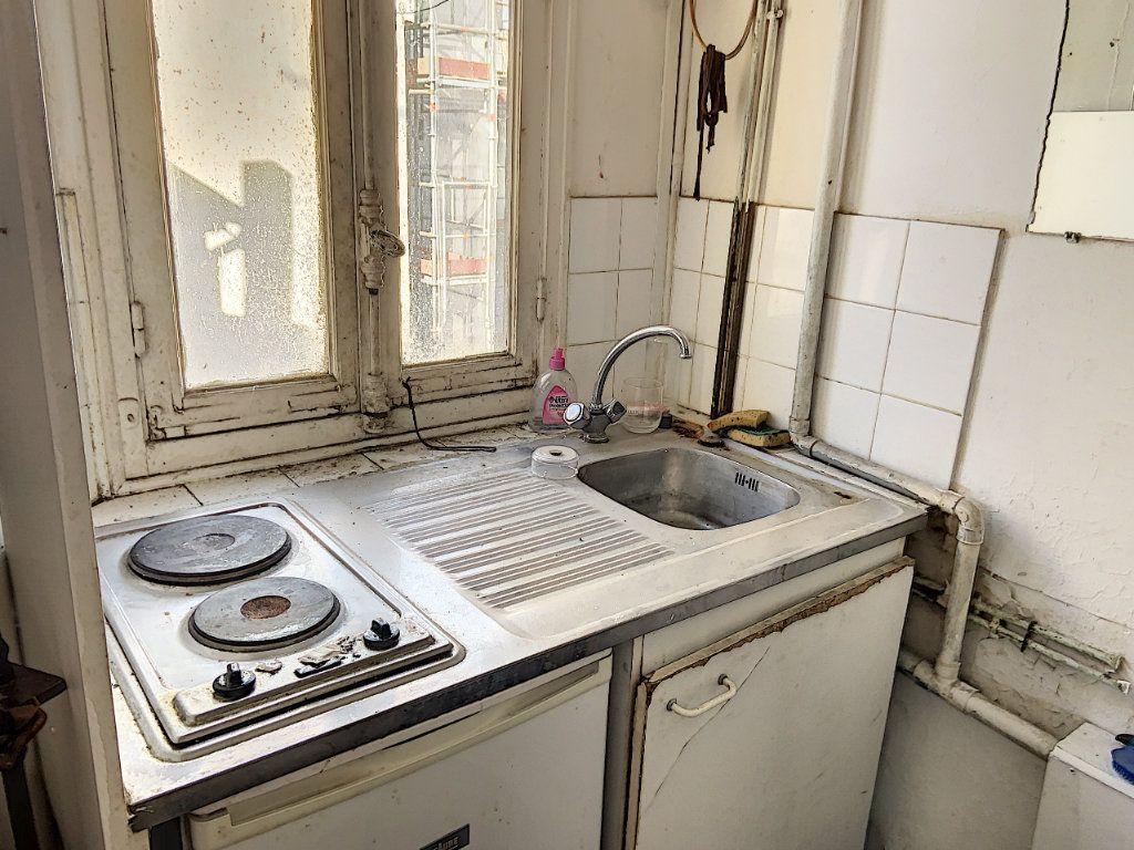 Appartement à vendre 1 7.96m2 à Paris 11 vignette-3