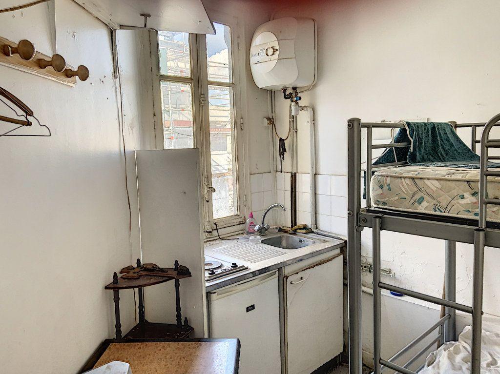 Appartement à vendre 1 7.96m2 à Paris 11 vignette-4
