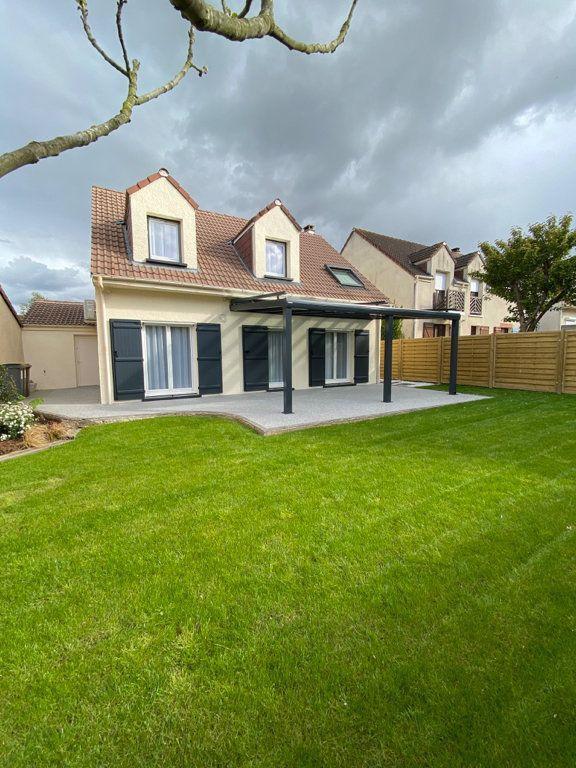Maison à vendre 5 124m2 à Cergy vignette-1