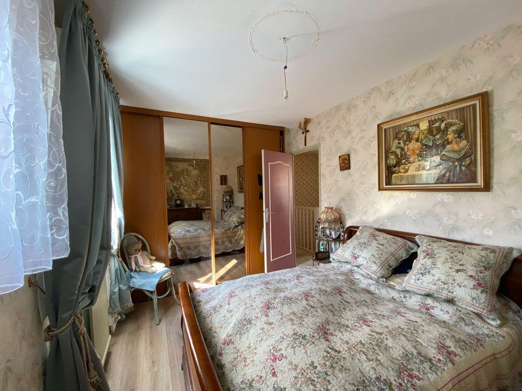Maison à vendre 6 106m2 à Jouy-le-Moutier vignette-8