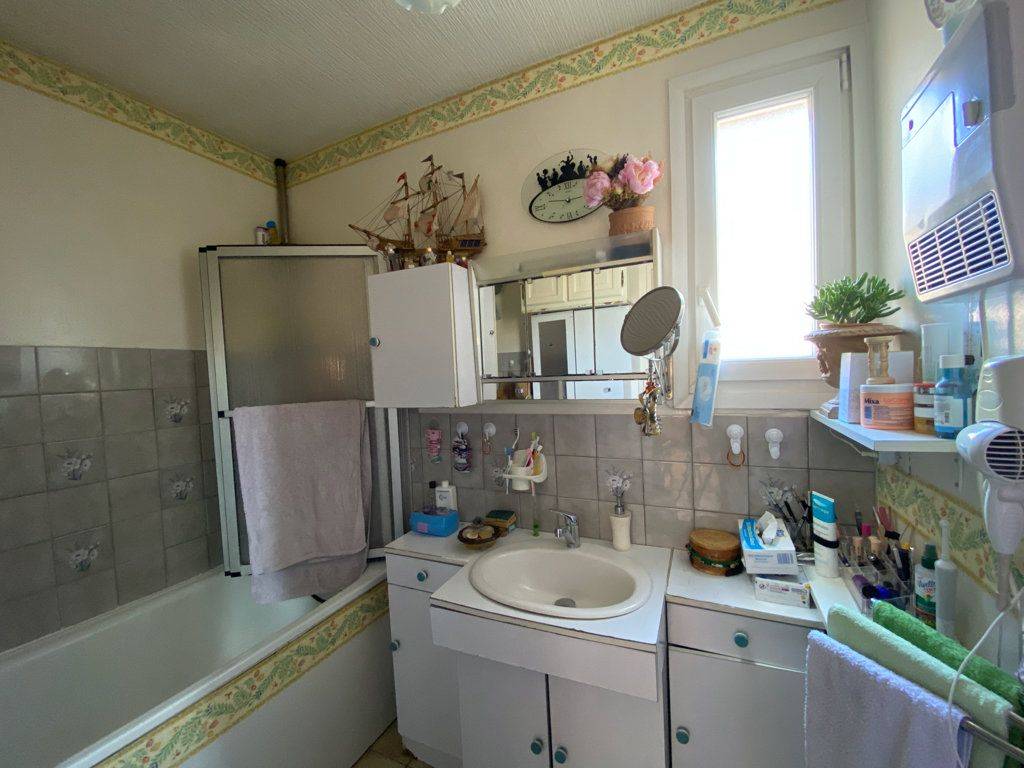 Maison à vendre 6 106m2 à Jouy-le-Moutier vignette-9