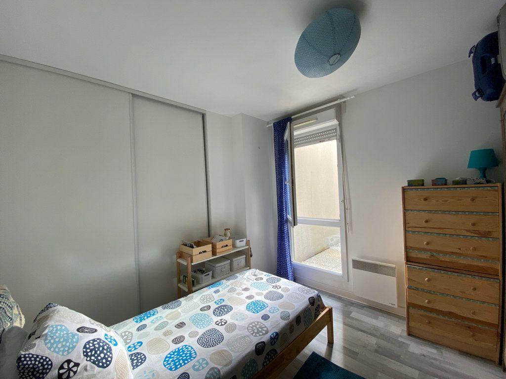 Appartement à vendre 2 44m2 à Cergy vignette-3