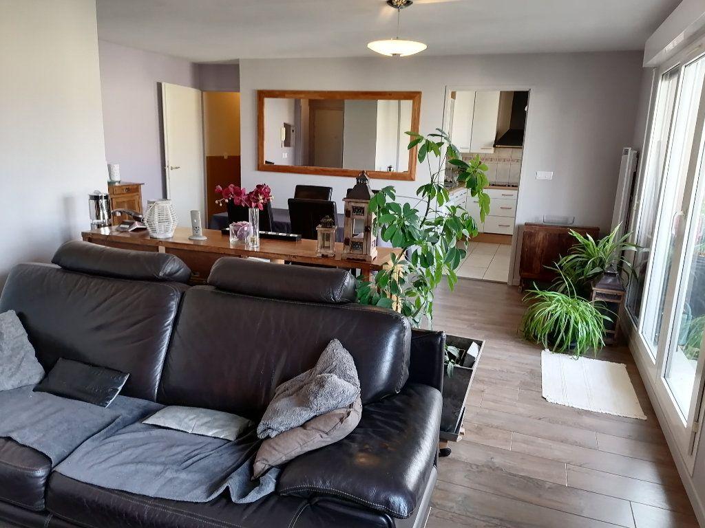 Appartement à vendre 3 72.46m2 à Cergy vignette-1