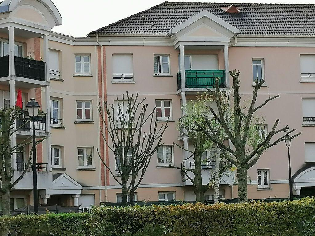 Appartement à vendre 3 72.46m2 à Cergy vignette-7