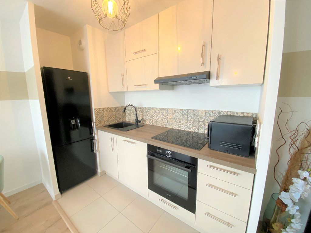Appartement à vendre 3 60.58m2 à Cergy vignette-2