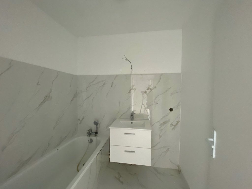 Appartement à vendre 3 65.1m2 à Cergy vignette-2