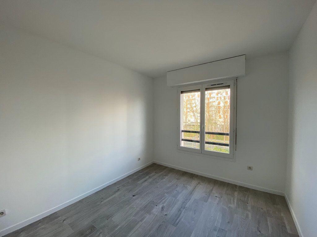 Appartement à vendre 3 65.1m2 à Cergy vignette-4