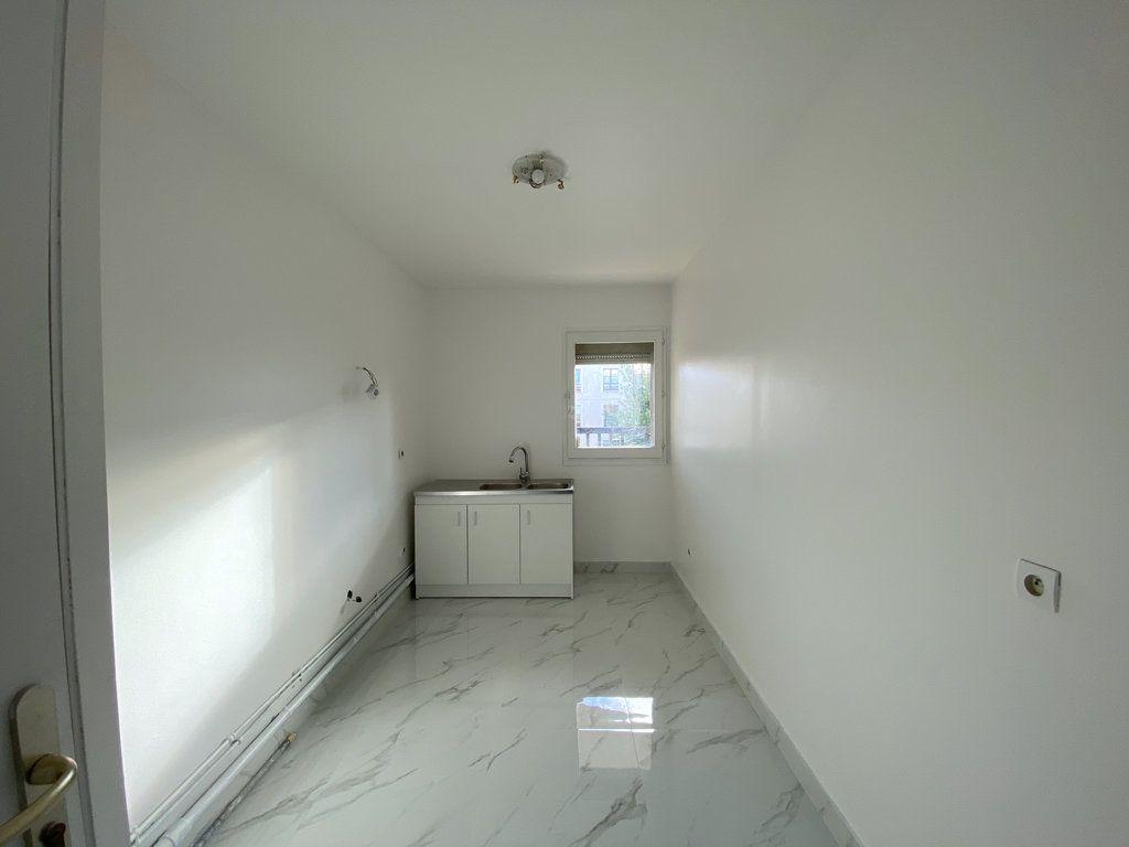 Appartement à vendre 3 65.1m2 à Cergy vignette-6