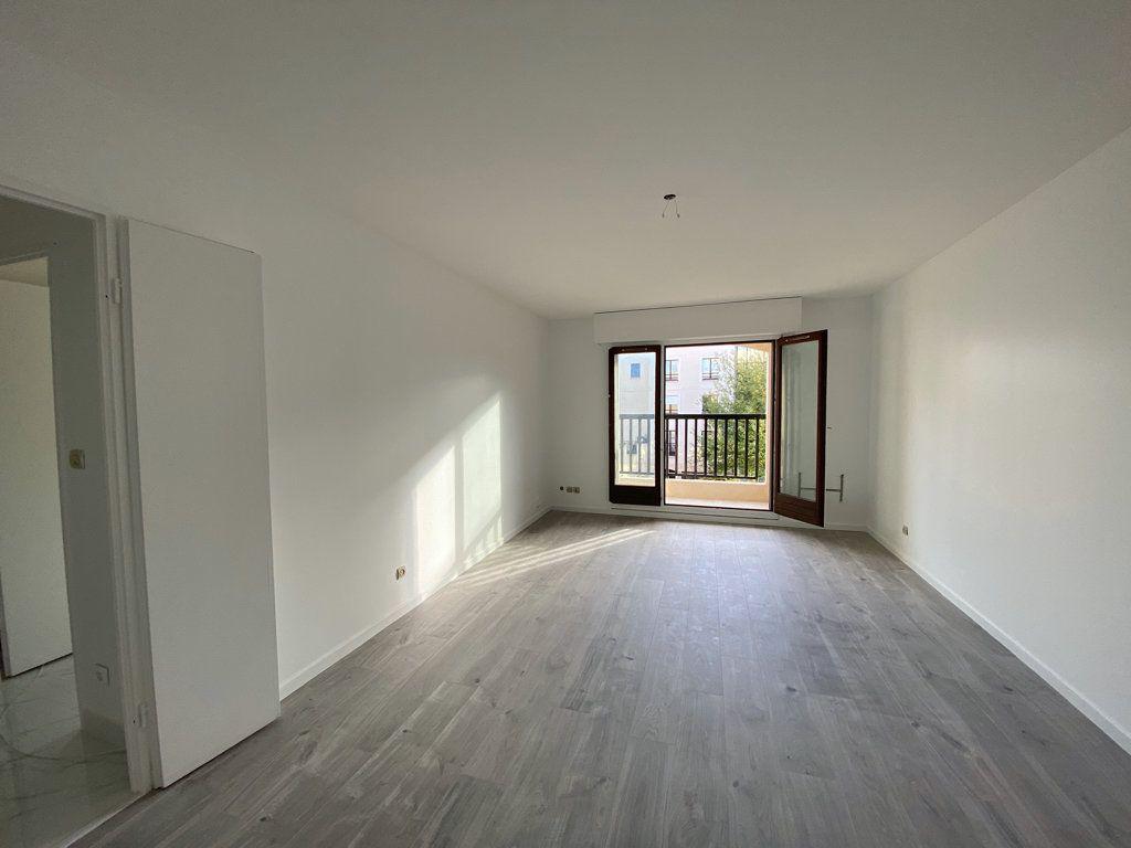 Appartement à vendre 3 65.1m2 à Cergy vignette-9