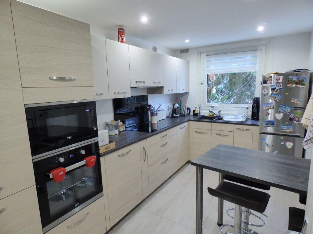 Appartement à vendre 4 83.66m2 à Maurecourt vignette-3