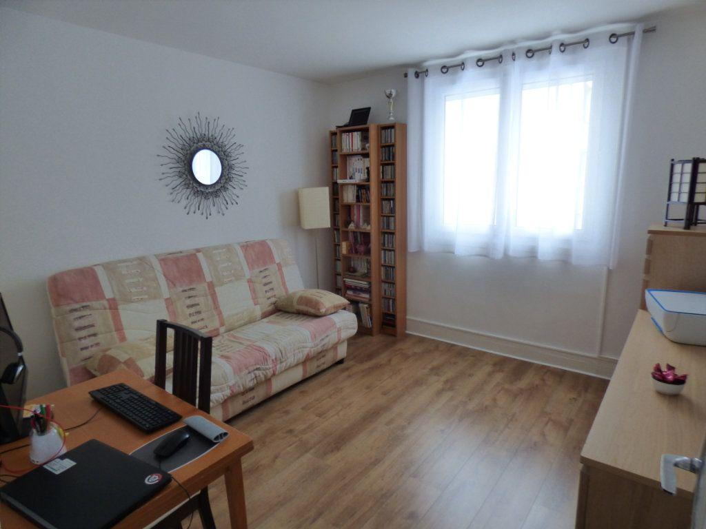 Appartement à vendre 4 83.66m2 à Maurecourt vignette-4