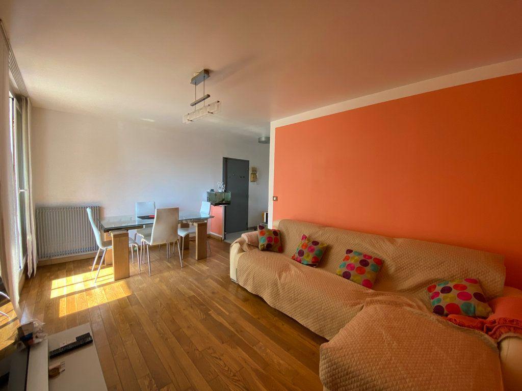 Appartement à vendre 3 64.1m2 à Cergy vignette-4