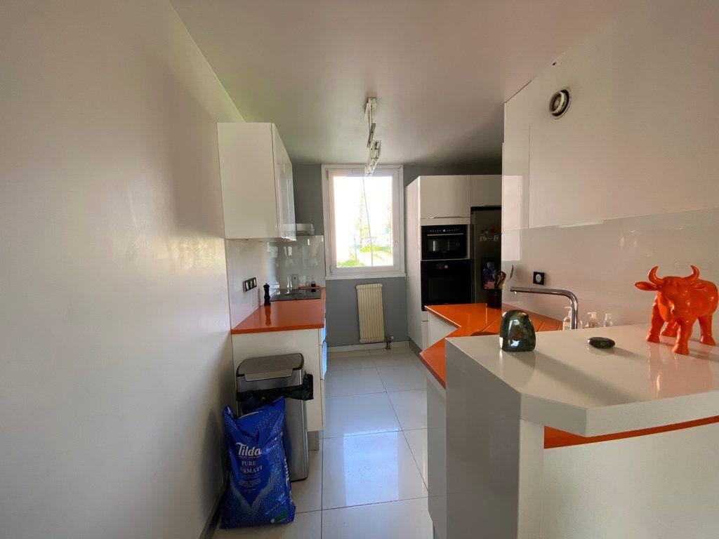 Appartement à vendre 3 64.1m2 à Cergy vignette-6