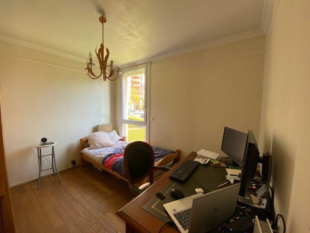 Appartement à vendre 3 64.1m2 à Cergy vignette-9