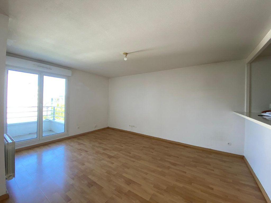 Appartement à vendre 4 61.62m2 à Cergy vignette-4