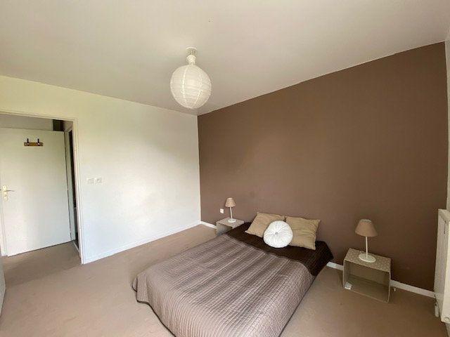 Appartement à vendre 4 71.88m2 à Cergy vignette-6