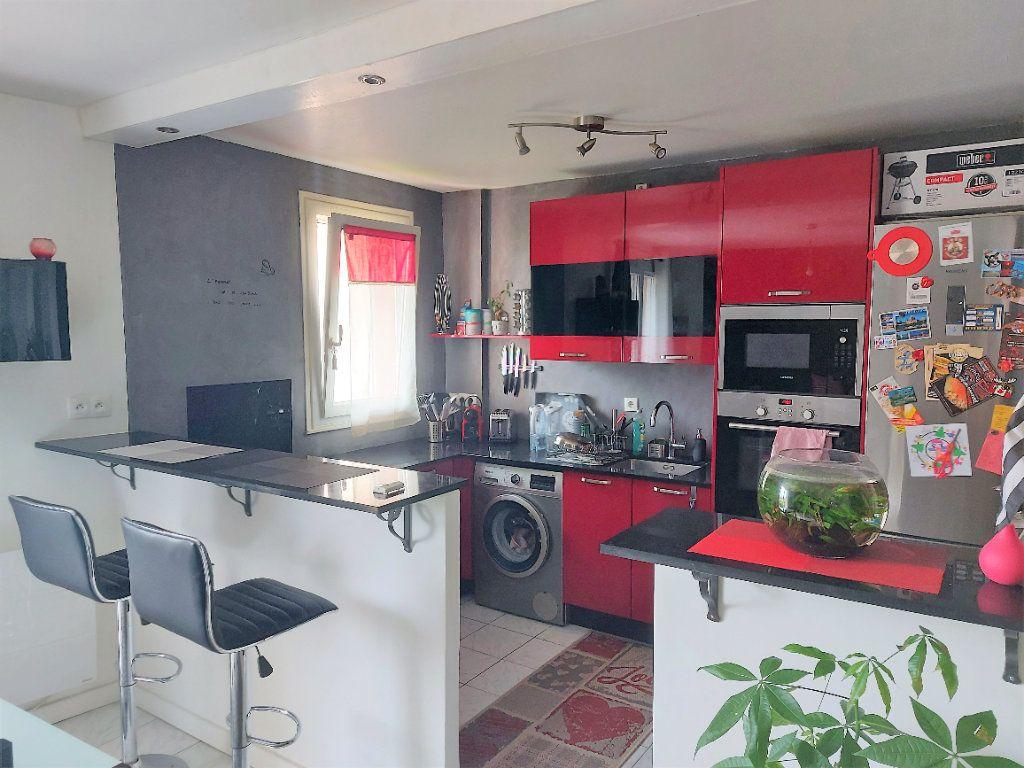 Appartement à vendre 3 67m2 à Cergy vignette-2