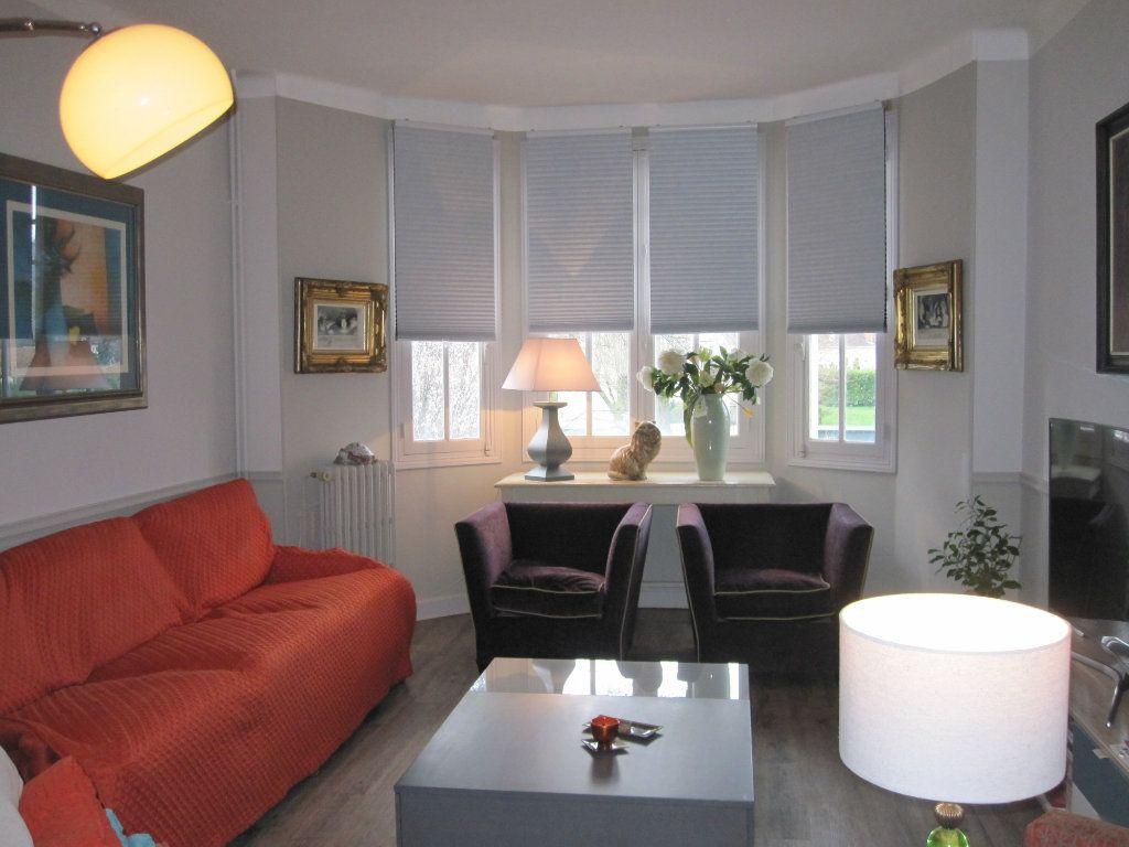 Maison à vendre 9 183m2 à Terrasson-Lavilledieu vignette-2