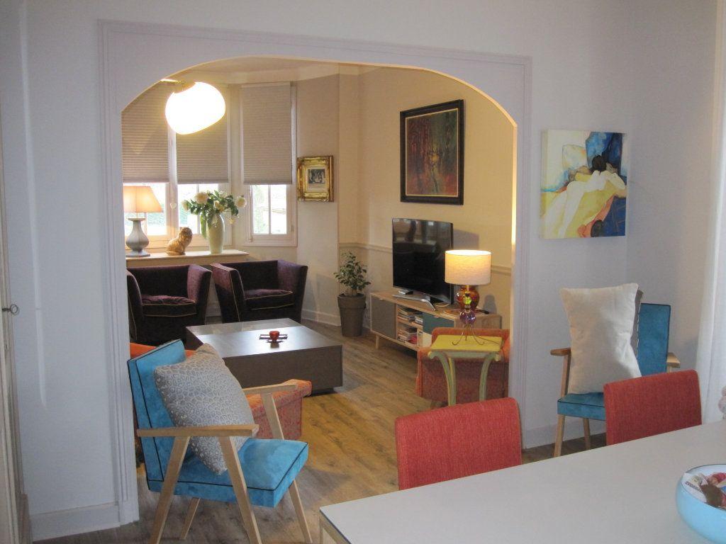 Maison à vendre 9 183m2 à Terrasson-Lavilledieu vignette-3