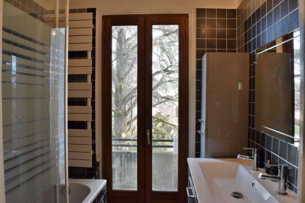 Maison à vendre 9 183m2 à Terrasson-Lavilledieu vignette-9