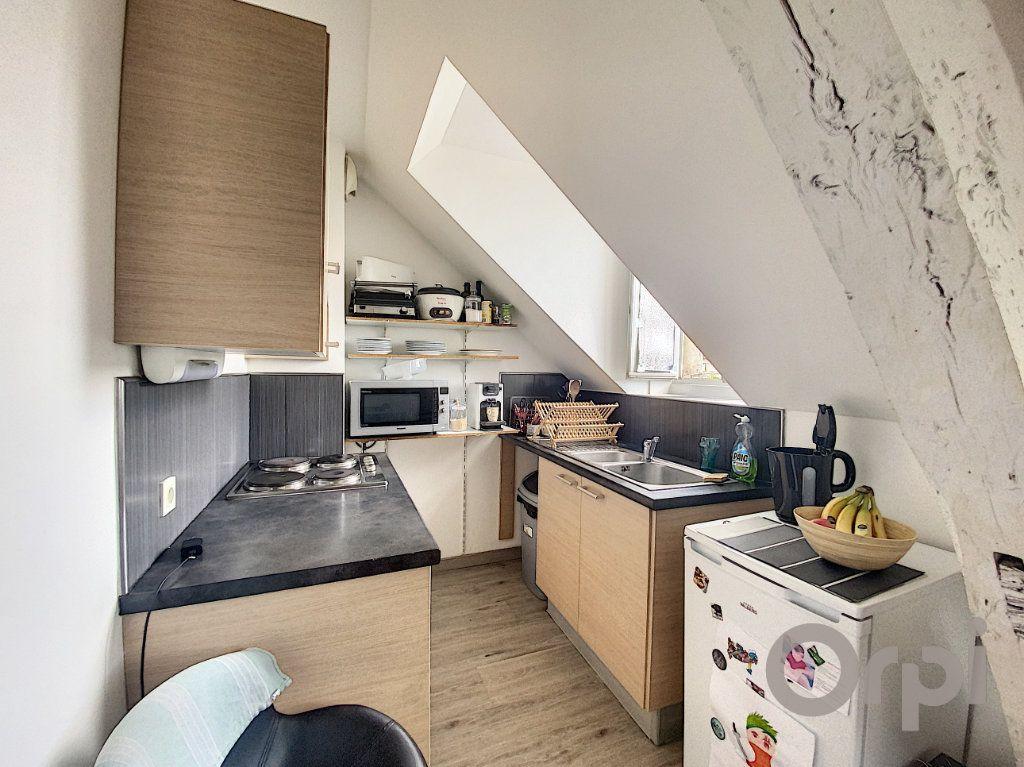 Appartement à louer 3 50m2 à Terrasson-Lavilledieu vignette-2