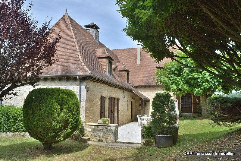 Maison à vendre 6 146m2 à Salignac-Eyvigues vignette-1