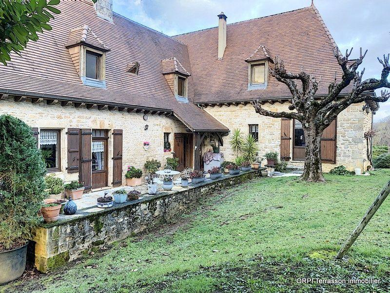 Maison à vendre 6 146m2 à Salignac-Eyvigues vignette-2