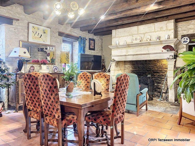 Maison à vendre 6 146m2 à Salignac-Eyvigues vignette-6