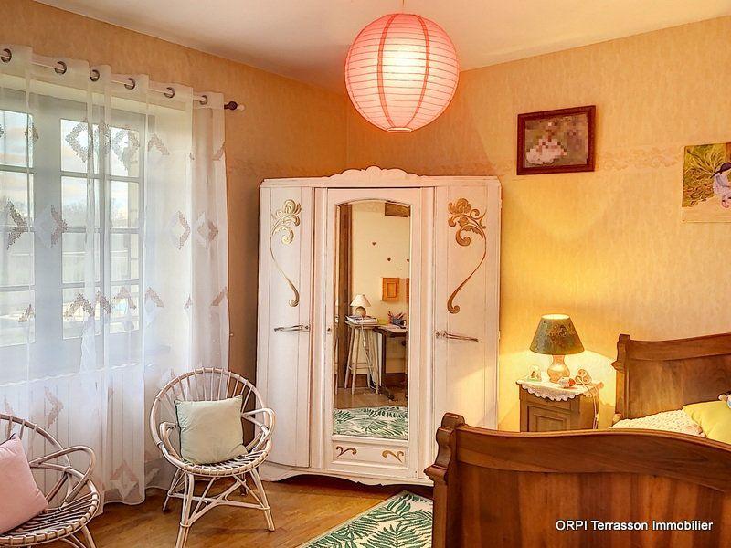 Maison à vendre 6 146m2 à Salignac-Eyvigues vignette-13