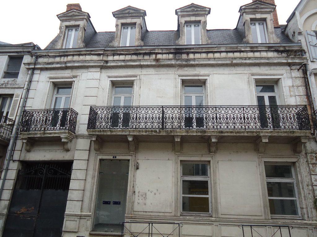 Immeuble à vendre 0 311m2 à Terrasson-Lavilledieu vignette-1