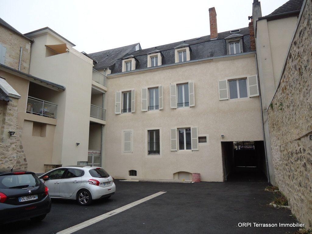 Immeuble à vendre 0 311m2 à Terrasson-Lavilledieu vignette-2