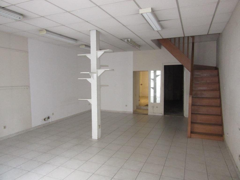 Immeuble à vendre 0 130m2 à Terrasson-Lavilledieu vignette-2