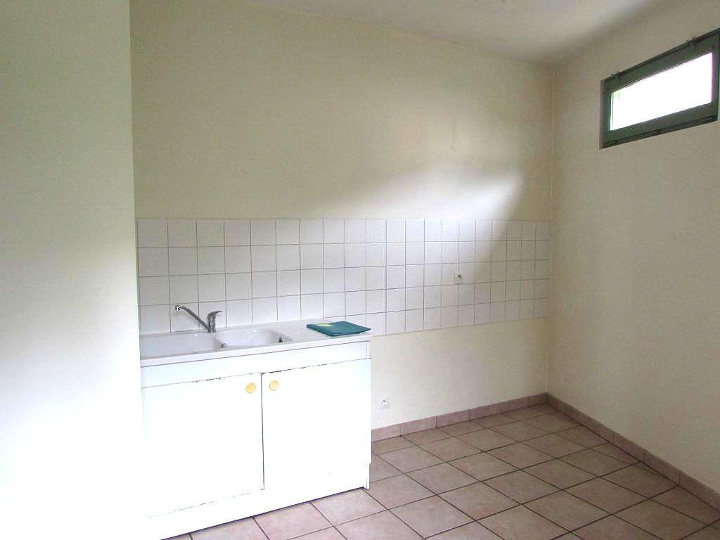 Maison à vendre 3 63m2 à Terrasson-Lavilledieu vignette-3