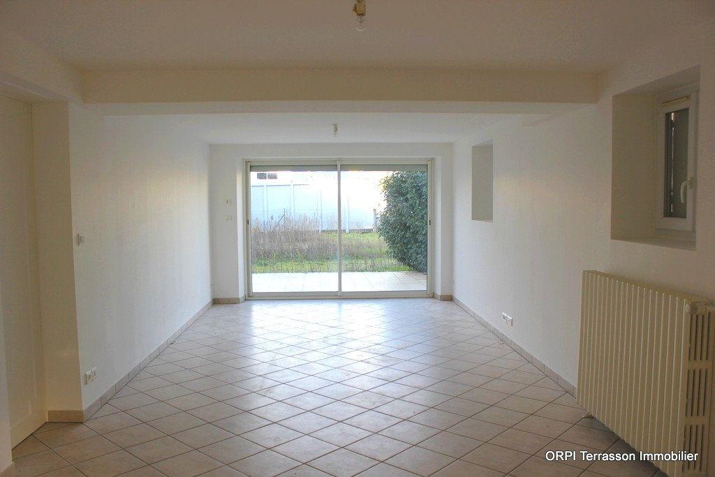 Maison à vendre 6 135m2 à Terrasson-Lavilledieu vignette-2