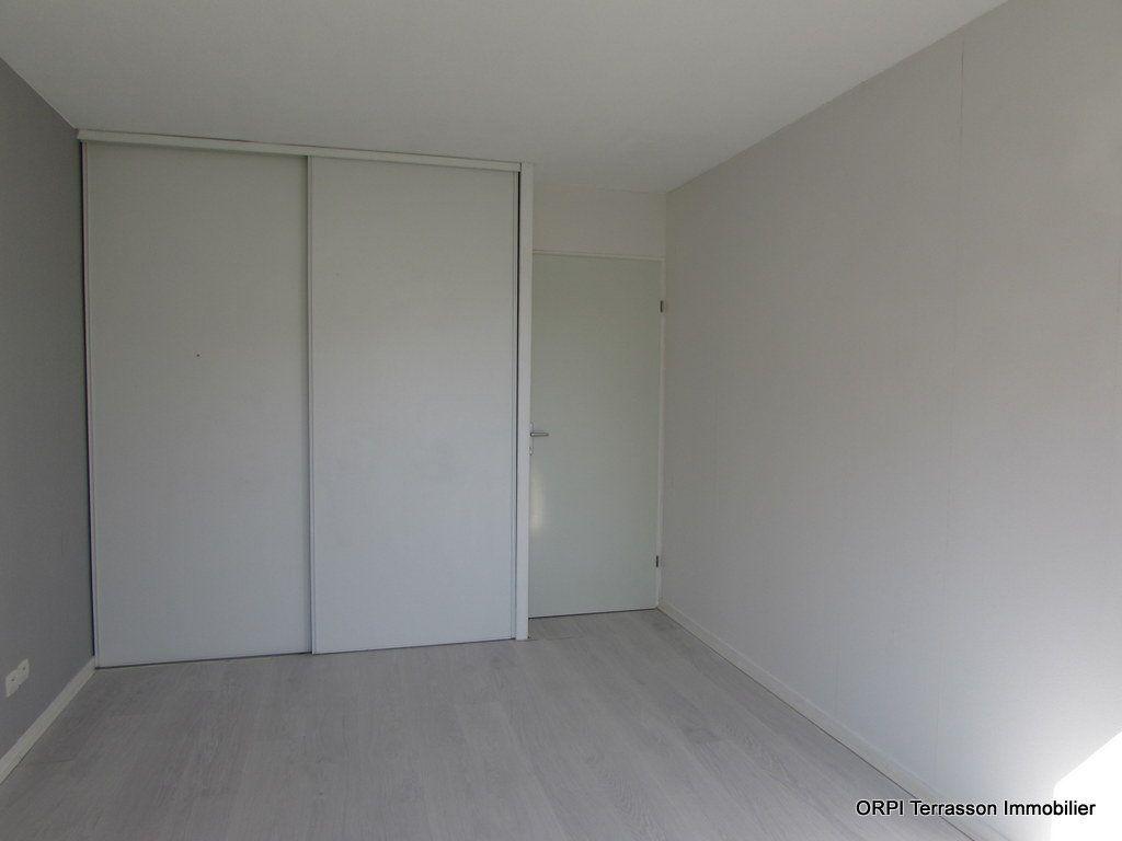 Appartement à vendre 2 51m2 à Terrasson-Lavilledieu vignette-4