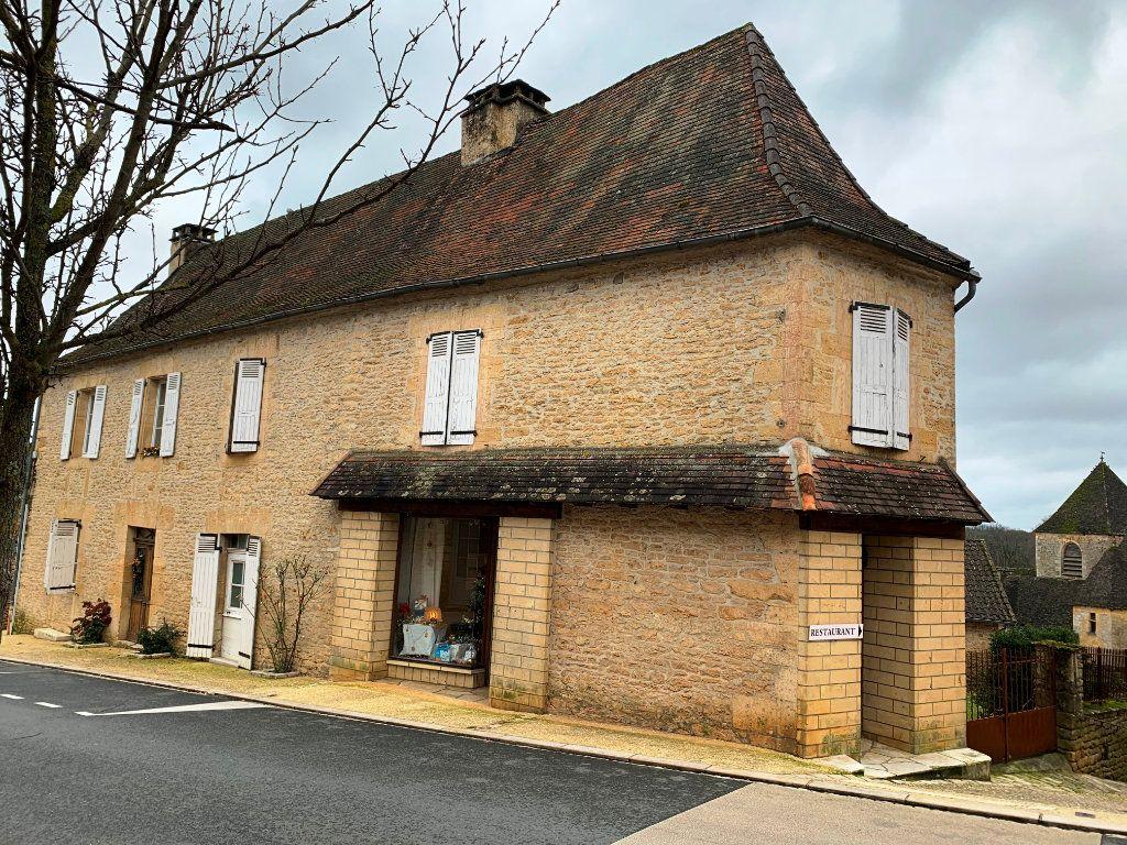 Maison à vendre 9 232m2 à Saint-Geniès vignette-1