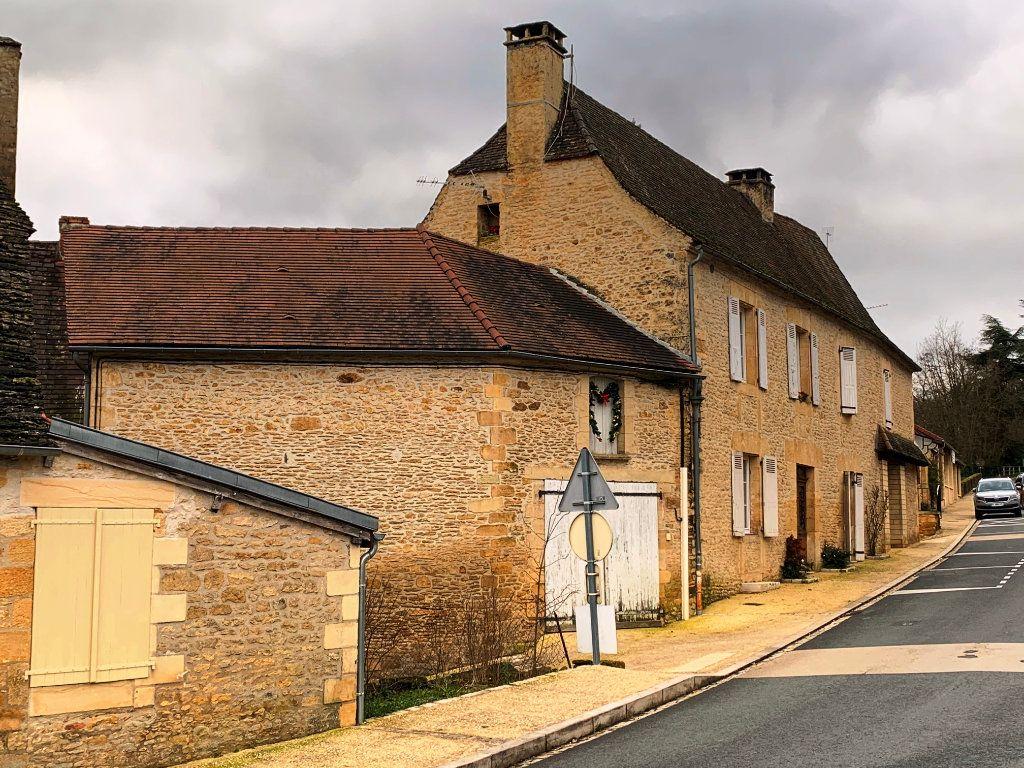 Maison à vendre 9 232m2 à Saint-Geniès vignette-2